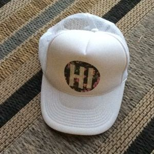 HI 🌺 trucker hat .Hawaii
